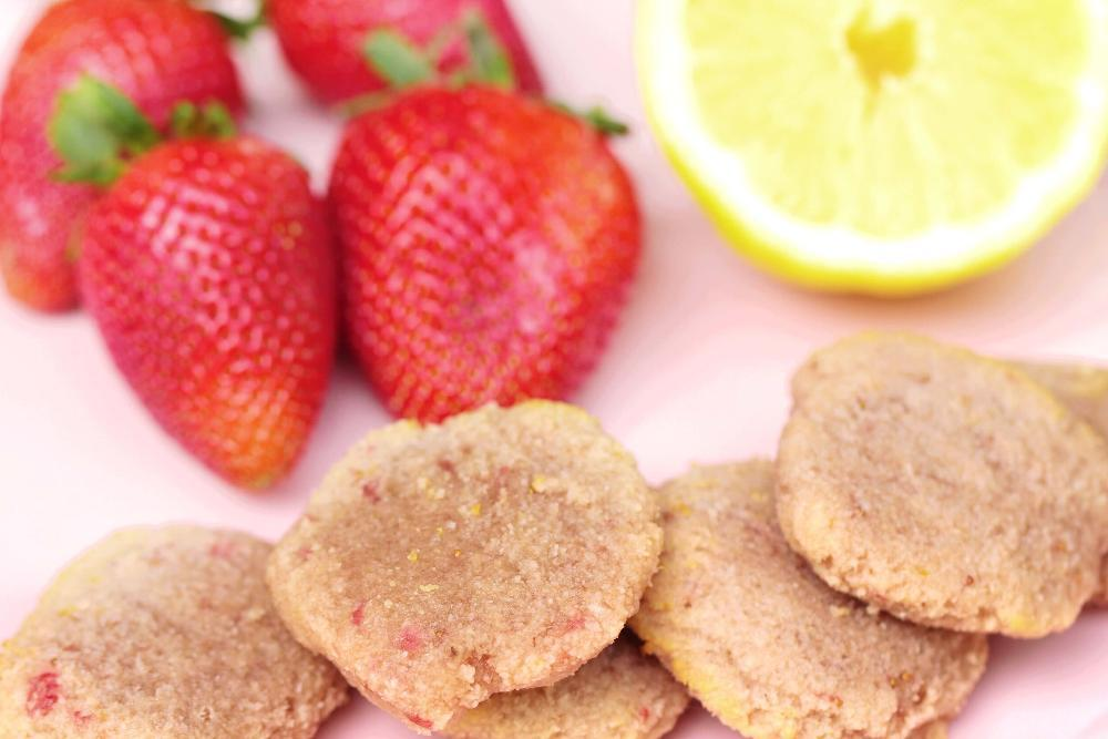 easy and healthy flourless strawberry cookie recipe